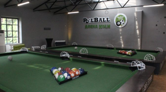 Pool Ball: Fußball für alle in Nippes