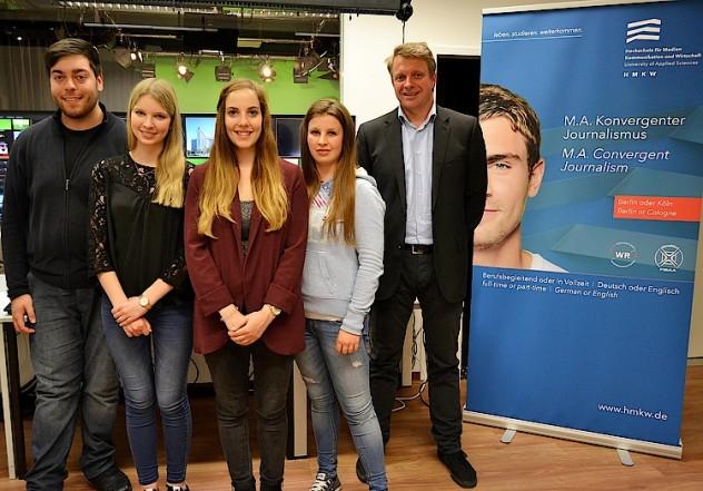 Team des HMKW-Pressebüros für die Kulturhauptstadt Breslau 2016: Caglar Efe, Julia Röser, Fee Hoopmann, Karolin Kebekus, Frank Hilgenfeld (v.l.n.r.)