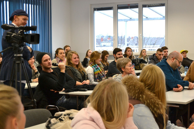 Die Zuhörer und Zuhörerinnen nutzten die Chance, ihre Fragen direkt an den NRW Umweltminister und NABU NRW Vorsitzenden zu richten.